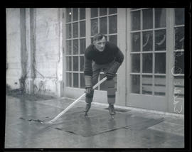 Eddie Oatman, hockey player