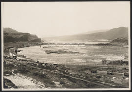 Oregon Trunk Rail Bridge across the Columbia River near Celilo Falls
