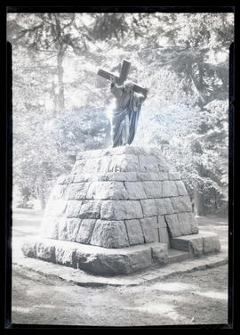 The Christus, bronze sculpture at The Grotto in Portland