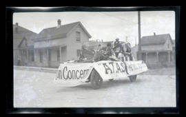 Parade float, possibly in Astoria