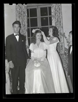 Crowning of Muryel Zoellern at Marylhurst College senior ball, 1945