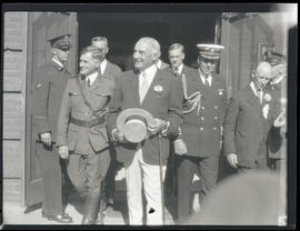 President Warren G. Harding and group leaving Hahnemann hospital in Portland