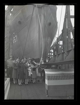 Ship launching at Albina Engine & Machine Works, Portland
