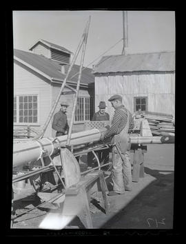 Workers with ship's mast? at Albina Engine & Machine Works, Portland