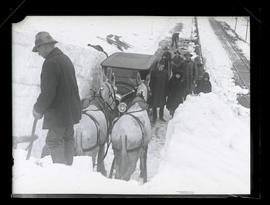 Crew and mules clearing snow on Columbia River Highway?