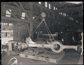 Loading a stern frame casting at Columbia Steel Casting Company