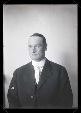 Unidentified man, half-length portrait