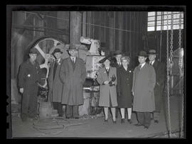 Worker and group of visitors? at Albina Engine & Machine Works, Portland