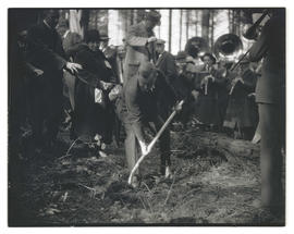 Cyril G. Manning breaking ground for veterans hospital on Marquam Hill, Portland