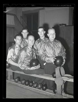 Albina Engine & Machine Works men's bowling team