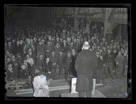 Crowd of workers listening to address, Albina Engine & Machine Works, Portland