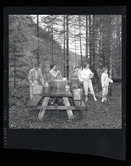 People with picnic at Promontory Park