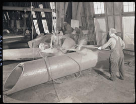 Cleaning a steel-cast component at Columbia Steel Casting Company