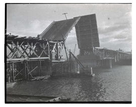 Burnside Bridge during construction, with bascule raised