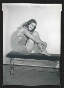 Maxine Seelbinder, swimmer