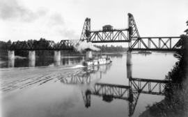 Willamette Valley bridge near Salem with steamboat