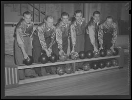 Albina Engine & Machine Works bowling team, Steamfitters?