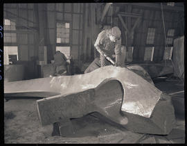 Finish work on steel-cast components at Columbia Steel Casting Company