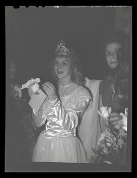 1944 Portland Rose Festival Queen Jo Anne Bush, possibly at selection ceremony