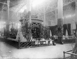 Oregon displays at Louisiana Purchase Exposition, 1904