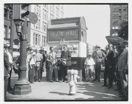 Dedication of giant air-mail box at 6th and Morrison, Portland
