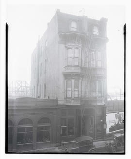 Esmond rooming house, Front and Morrison, Portland