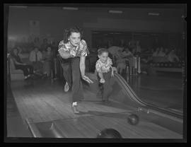Women bowlers in Portland