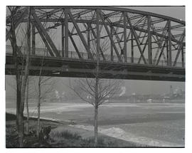 Broadway Bridge and Willamette River in winter 1937