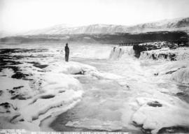 Celilo Falls in winter, Columbia River, January 1907