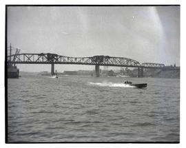 Speedboats on Willamette River near Broadway Bridge, Portland