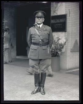 General Fuqua outside Multnomah Hotel, Portland