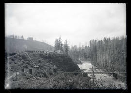 Cazadero Dam, bridge above dam and lodge