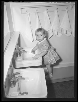 Child at new nursery school, Oregon Shipbuilding Corporation, Portland