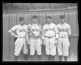 Baseball players for Seals