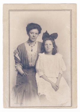 Kathleen (Burns) Robertson and daughter Mary Couch Robertson