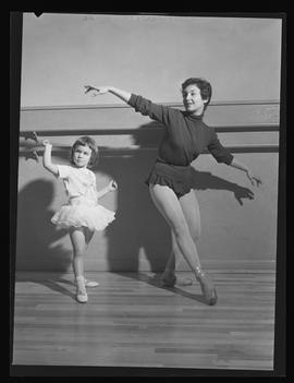 Simone Mostovoy and youngster at Oumansky School of Dance, Portland