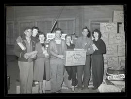 Workers at Albina Engine & Machine Works during cigarette drive for United States troops