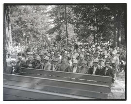 Congregation during outdoor service at The Grotto, Portland?