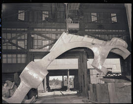 Lifting stern frame castings with a crane at Columbia Steel Casting Company