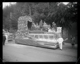 Portland Rose Festival electric floats
