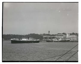 Ships on Willamette River, Portland, one moored at Kerr-Gifford elevator