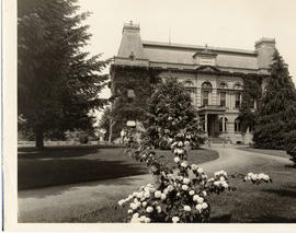 Villard Hall, University of Oregon.