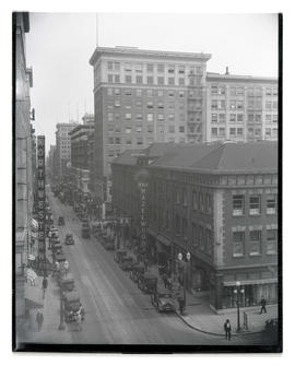 10th and Washington streets, downtown Portland