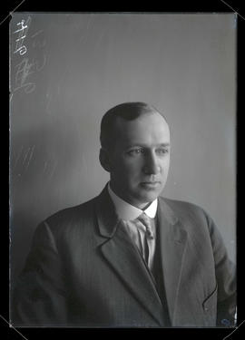 Unidentified man, head and shoulders portrait