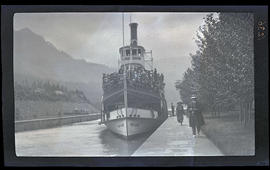 Steamer boat Bailey Gatzert