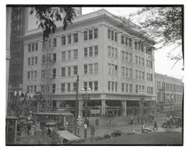 Kress Building under construction, 5th and Morrison, Portland