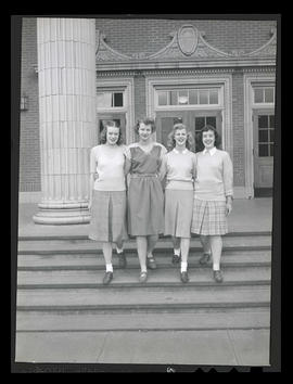1944 Portland Rose Festival Queen Jo Anne Bush and three unidentified girls