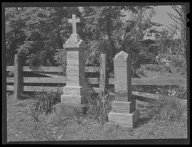 Gravestones at Cape Blanco