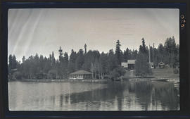Cabins on the Rogue River