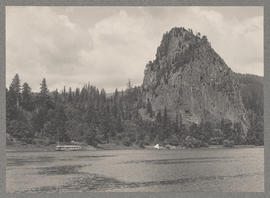 Untitled (Columbia River near Castle Rock)